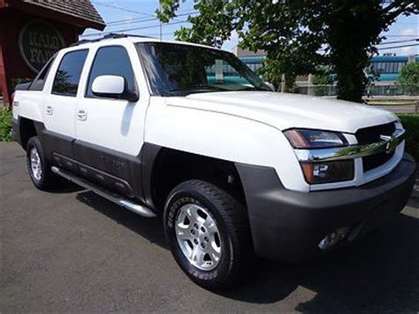 purchase used 2004 chevrolet avalanche 1500 z71 4x4 crew purchase used 2004 chevy avalanche 1500 leather sunroof 4x4 z71 one owner clean carfax in