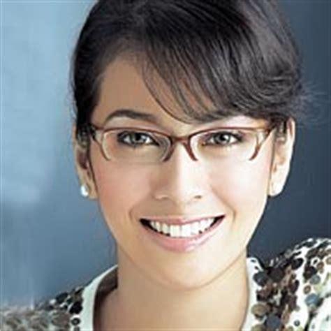 Hits Kacamata Wanita tips memilih frame kacamata yang cocok dengan bentuk wajah serasi optical