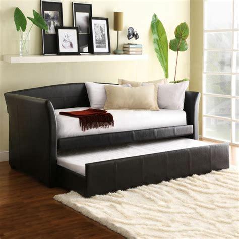 akzent kissen für leder sofa ein kleines sofa f 252 r eine kleine wohnung