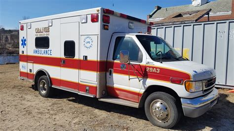 1997 ford e350 ambulance for auction municibid 1997 ford e 450 xlt dual rear wheel road rescue ambulance for auction municibid
