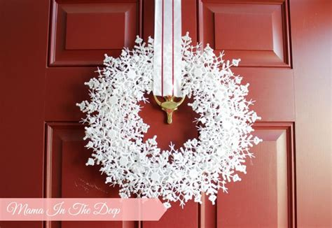 winter decorations to make best 25 snowflake wreath ideas on diy