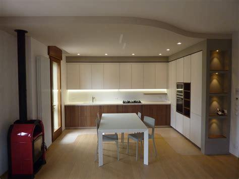 libreria giunti la spezia foto cucina con cartongesso e nicchie di pittore edile