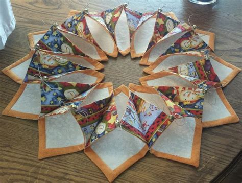 Patchwork Wreath Pattern - fold n stitch wreath i just these quilt