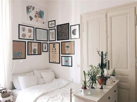 wg schlafzimmer ideen gem 252 tliche schlafecke mit bilderwand 252 ber dem bett