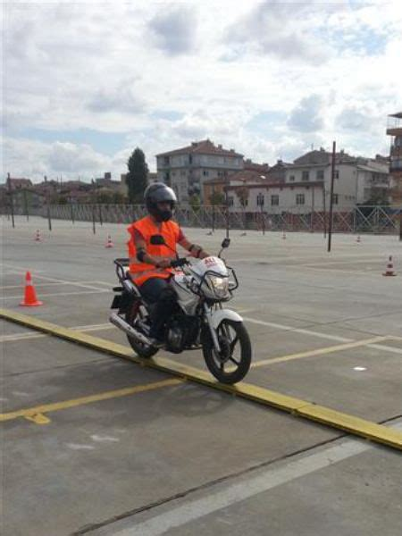 sinifi motor ehliyeti uemraniye sueruecue kursu