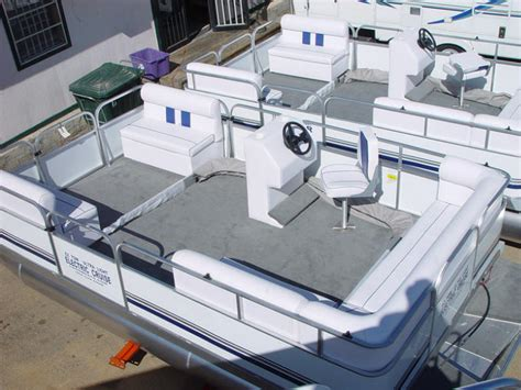 pontoon boats kansas city kansas city ks area boat and pontoon dealers kansas city