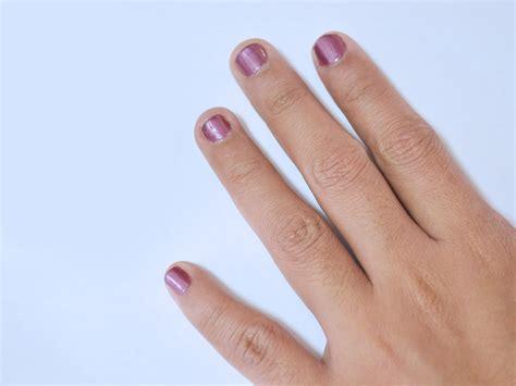 smalto normale in lada uv come usare contemporaneamente lo smalto per le unghie