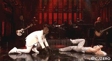 Lady gaga simulates oral sexual act with r kelly on snl gif
