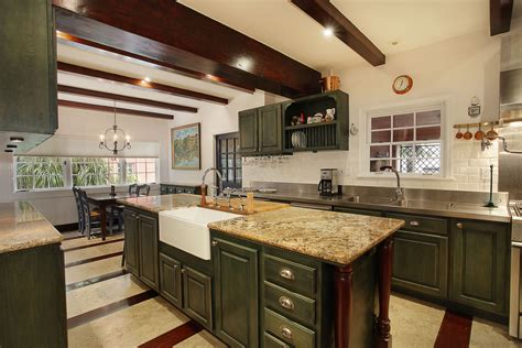 The Kitchen On Jackson Ave In Just Listed By Valaree In Coconut Grove 1644 Onaway