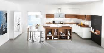Coloris et fa 231 ades en bois cuisines schmidt showroom apf