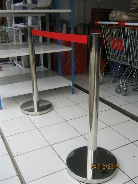 Jual Cermin Cembung Di Bandung tiang antrian