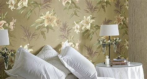 modern wallpaper combinations  interior decorating  flowers   damask patterns