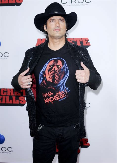 robert rodriguez size chart robert rodriguez picture 45 premiere of open road films