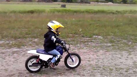 Kindermotorrad Yamaha Pw 50 by Yamaha Pw 50 Und Die Kleine Racerin