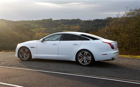 jaguar xj fuel consumption here s how jaguar can instantly increase xj sales by 1000