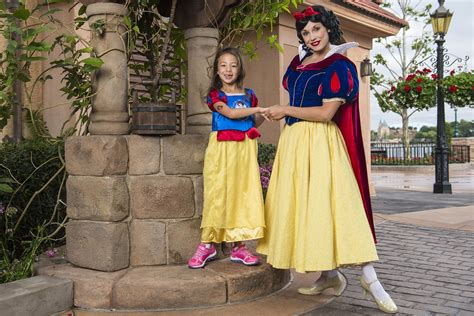 cinderella child actress modern family child actress aubrey anderson emmons meets