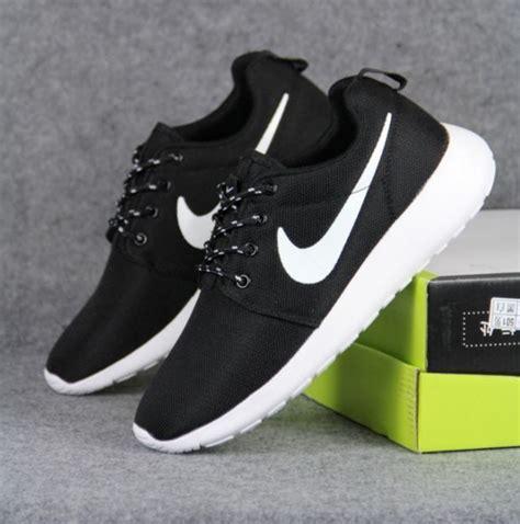 Sepatu Pria Adidas Joging Casual Sneaker Black 40 44 84 best womens mens sneakers images on mens running nike tennis shoes and wide fit
