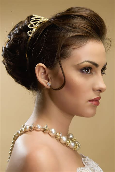 hairstyles for indian princess bridal star hairstyles for long hiar with veil half up