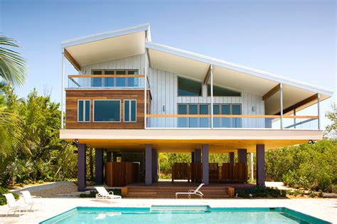 Plan Maison Carrée 4378 by Luis Pons Design Lab Completes The Tavernier Residence In