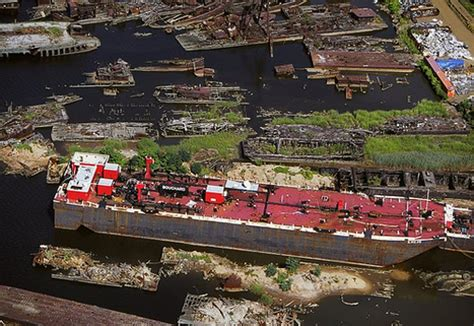boat salvage yard new york that staten island boat graveyard 171 freshkills park blog