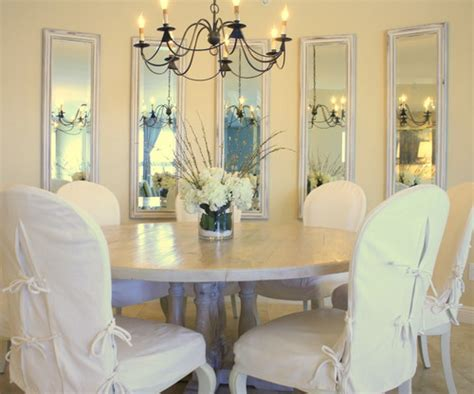 decorate dining rooms  large mirrors