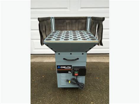 Delta Downdraft Sanding Table Saanich Sidney