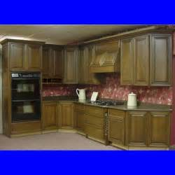 Painting Techniques For Kitchen Cabinets by Kitchen Cabinet Painting Techniques Decobizz Com