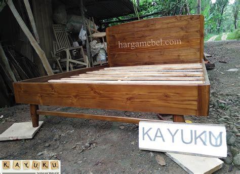 Dipan Kayu No 2 dipan minimalis dari kayu jati