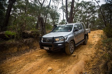 toyota 4x4 2016 toyota hilux sr 4x4 cab chassis review photos