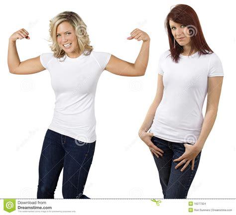 imagenes de jovenes blancas mujeres jovenes con las camisas blancas en blanco imagenes