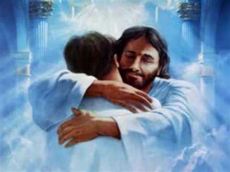 imagenes de jesus abrazando amor verdadero jesus cristo youtube