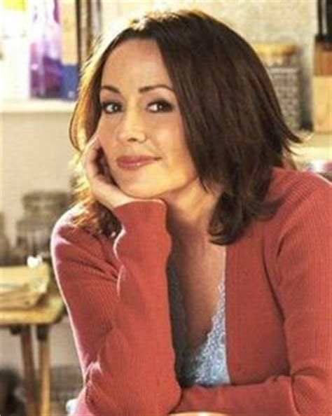 debra haircut on everybody loves raymond patricia heaton hair and colors on pinterest