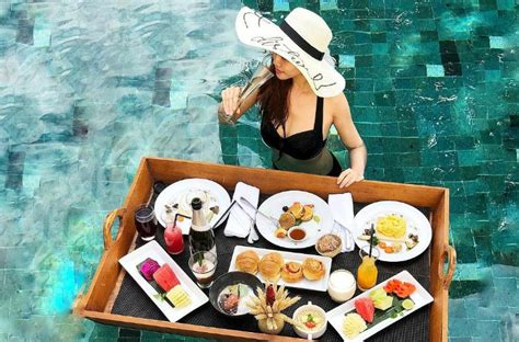 places  offer  floating breakfast  bali ithaka