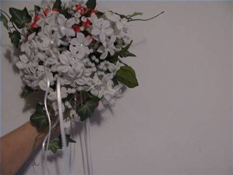 How To Make A Bouquet Of Flowers Out Of Paper - how to make a wedding bouquet with silk flowers ehow