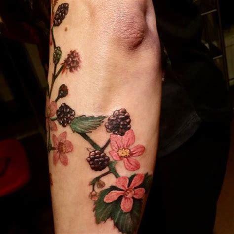 tattoo maker for blackberry 25 trending blackberry tattoo ideas on pinterest
