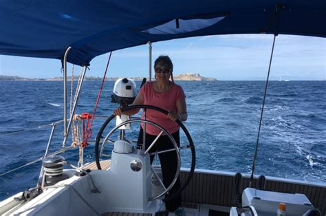 catamaran sailing offshore learn to cruise catamaran sailing lessons offshore sailing