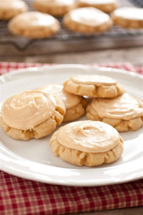 browned butter crinkle cookies with salted caramel frosting cooking classy