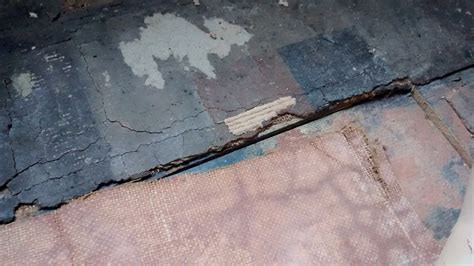 any flooring experts around lino asbestos content
