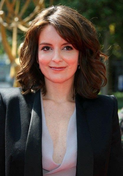 what color is tiny fey using in the garnier nutrisse more pics of tina fey medium wavy cut shoulder length