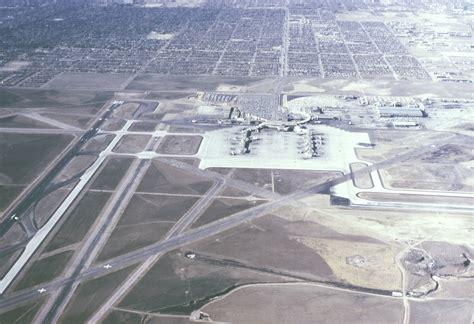 i 5 simboli degli illuminati l inquietante aeroporto di denver e i simboli apocalittici