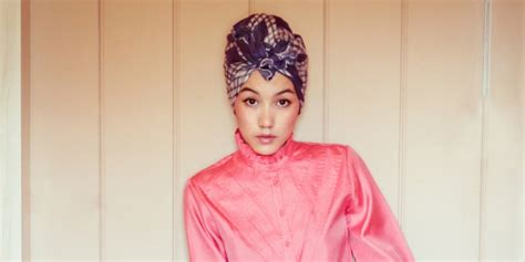 tren pakaian simpel modern rompil hijaber hana tajima hijab turban pakaian simpel bikin modis
