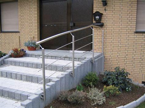 treppengeländer edelstahl aussentreppe stahltreppe au 223 en mit gel 228 nder und balkon pictures to pin