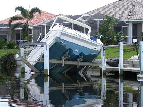 hurricane boats lifts boat hurricane preparation the dos and don ts boatus