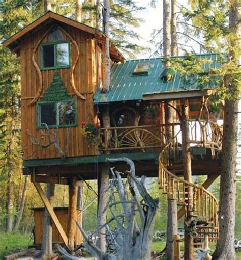 cool tree houses 25 best ideas about tree houses on treehouse