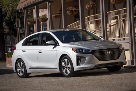 hyundai ioniq in hybrid review 2018 hyundai ioniq in hybrid is fuel