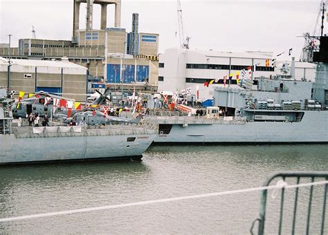 plymouth navy days type 23 hms somerset and type 22 hms chatham at plymouth