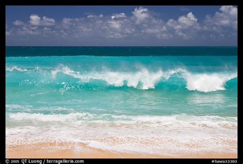 Hawa Acean Colour picture photo breaking wave and turquoise waters haena