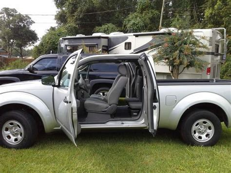 sell used 2006 nissan frontier xe extended cab pickup 4 door 2 5l in philadelphia pennsylvania buy used 2006 nissan frontier xe extended cab pickup 4 door 2 5l 41000 gently used miles in