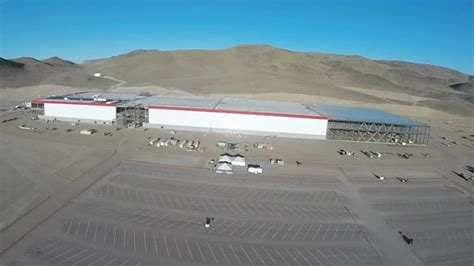 Drone Flyby let s take another drone flyby of the tesla gigafactory mazdaspeed forums