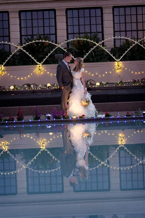 Mesa AZ Wedding Photos Christmas Lights   MormonBride.com